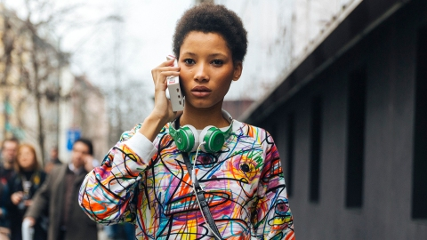 8 STYLECASTER Editors on Their All-Time Favorite Podcasts | StyleCaster
