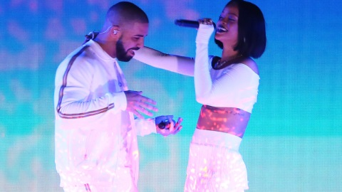 Drake Kissing Rihanna's Neck on Stage: Reason 1,432 They Might Be Together | StyleCaster