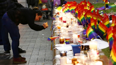 How You Can Help Victims of the Pulse Orlando Nightclub Shooting   StyleCaster