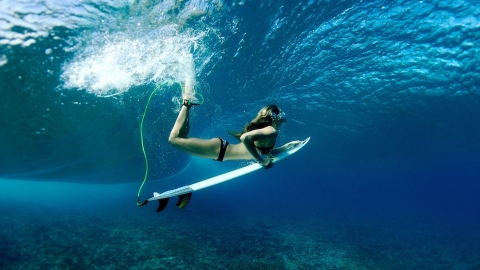 Inside the Wellness Routine of a Bona Fide Surfer Chick | StyleCaster