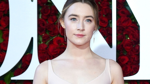 Saoirse Ronan Made Yet Another Case for the Death of Contouring | StyleCaster