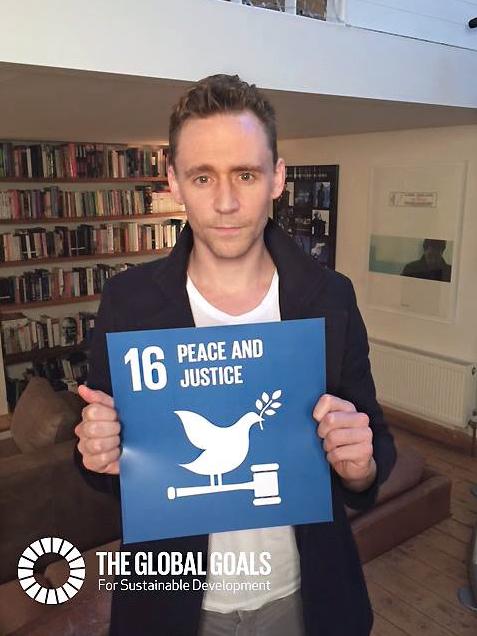 Facebook/Tom Hiddleston