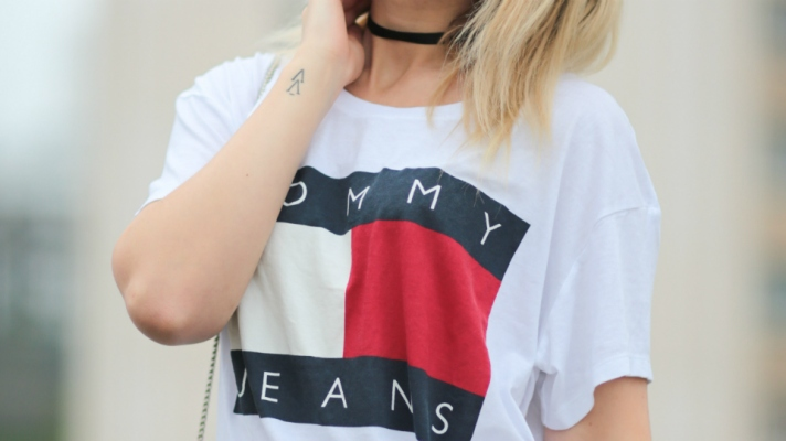 The Street Style Guide to Wearing a Slogan Tee