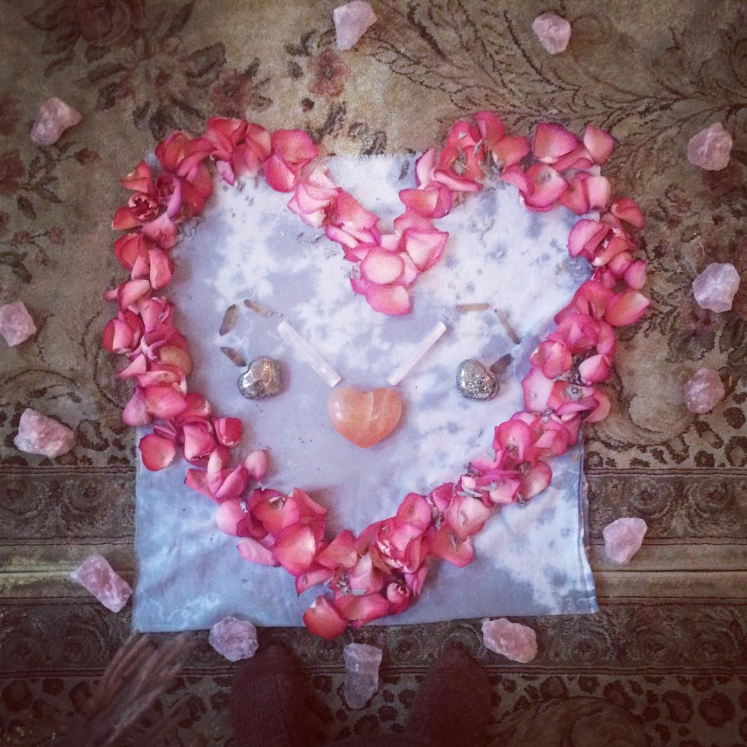 0725f 13126790 1054364301304934 827905078 n I Tried Rose Quartz Rituals to Improve My Love Life—and It Worked