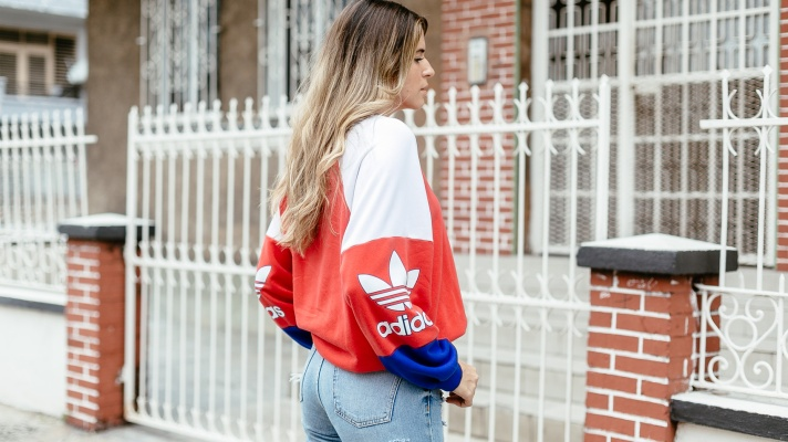 The Lazy Girl's Guide to Nailing Sporty Summer Outfits