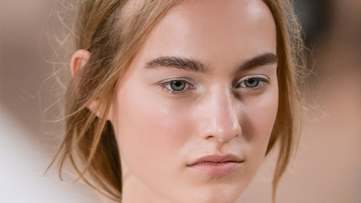 How To Wear Face Oils in the Summer