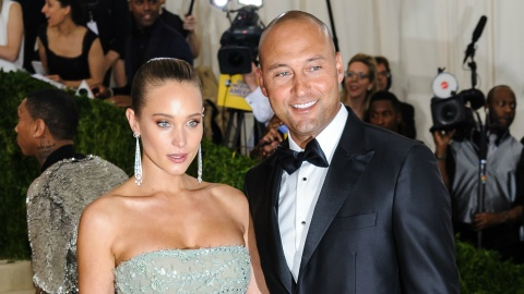 See Model Hannah Davis' Gorgeous Custom Wedding Gown | StyleCaster