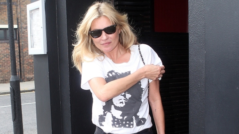 Kate Moss's Anti-Paparazzi T-Shirt Is Beyond Brilliant | StyleCaster