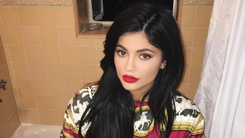 Apparently Kylie Jenner Has Gray Hair Now   StyleCaster