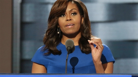 Celebrities Could Not Get Enough of Michelle Obama at the DNC Last Night   StyleCaster