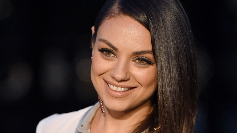 Did Mila Kunis Just Chop All Her Hair Off? | StyleCaster