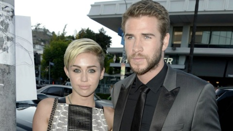 Hmm: Miley Cyrus Is Now Wearing an Eternity Band on Her Left Ring Finger   StyleCaster
