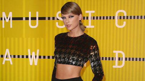 More Proof Taylor's Global Reign Might Be Coming to an End | StyleCaster