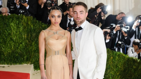 Rumors of a Robert Pattinson and FKA Twigs Breakup Won't Quit | StyleCaster
