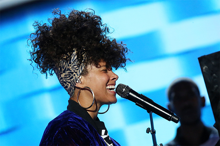 Why Alicia Keys Went Makeup-Free on Last Night's 'The Voice'