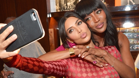 23 Meta Photos of Celebs Taking Shameless Selfies   StyleCaster