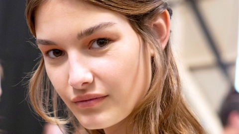 How to Deal With The Horror That Is Dry Skin and Big Pores | StyleCaster