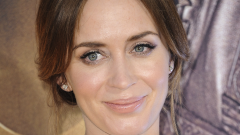 Emily Blunt Debuts Post-Baby Body, Looks Amazing   StyleCaster