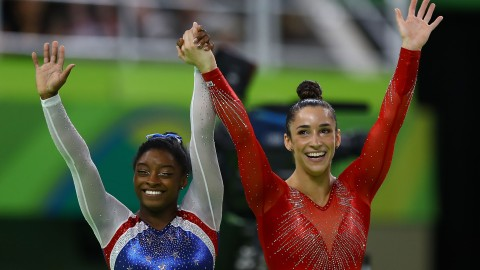 Celebrities React to Aly Raisman and Simone Biles' Epic Rio Wins | StyleCaster