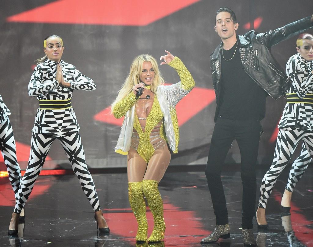Britney Spears Sings In The Studios: Photo 1350131