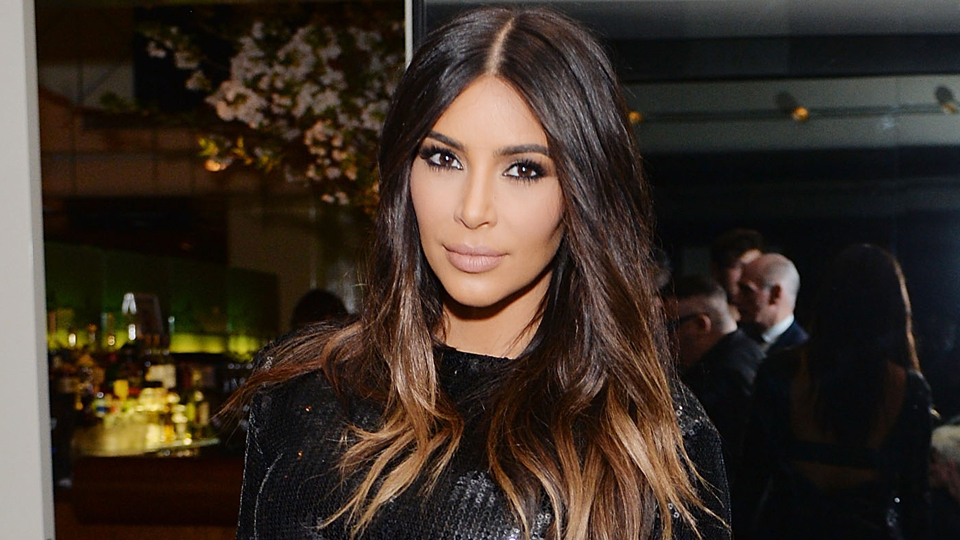 Kim Kardashian West Shows Off New Short Haircut At Kylie S B Day Party Stylecaster