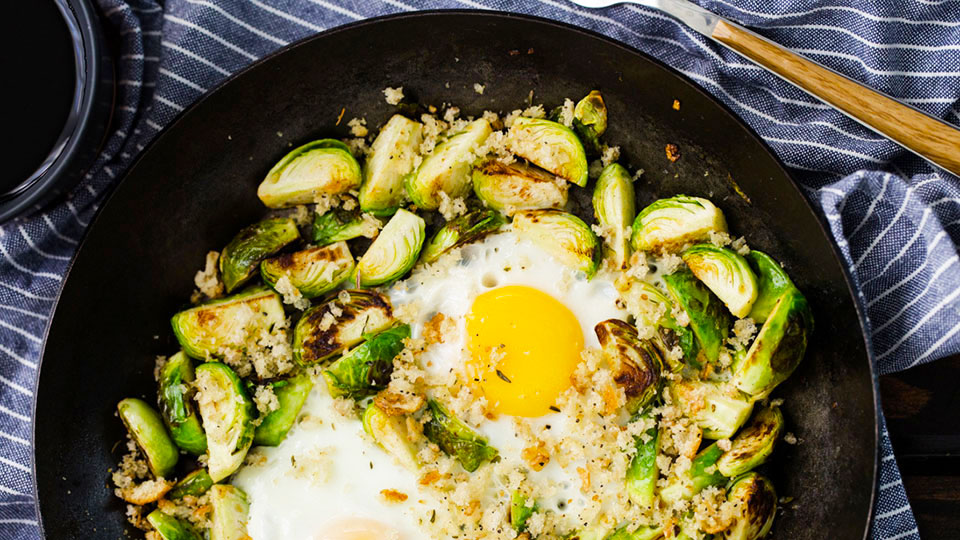 25 Low-Carb Breakfasts That Won't Make You Feel Like the Annoying Dieter