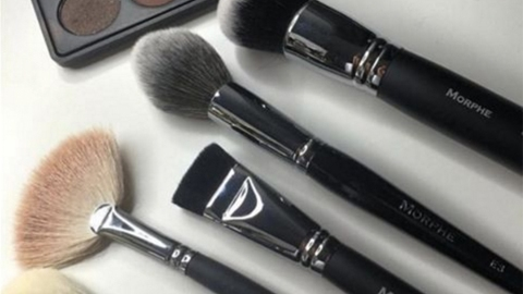 We Bet You've Never Tried This Genius Makeup Brush Hack   StyleCaster