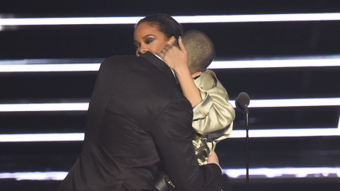 Drake Admits He's Always 'Been in Love' with Rihanna at the VMAs | StyleCaster