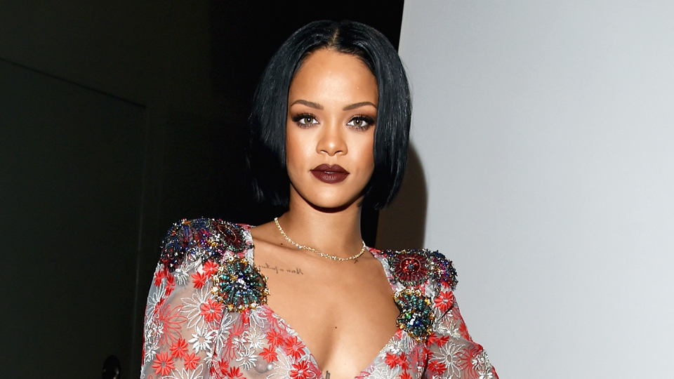 rihanna71 Rihanna, Anne Hathaway, and Cate Blanchett to Star in All Female Oceans 11 Remake