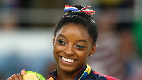 Watch Simone Biles Totally Lose It Over Meeting Zac Efron | StyleCaster