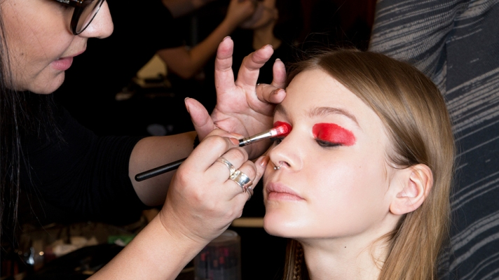 51 Must-See Images From Backstage at Fashion Week