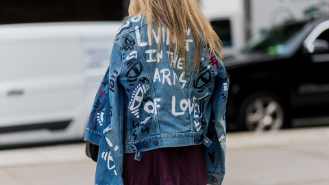 25 Foolproof Ways to Wear a Denim Jacket This Season | StyleCaster
