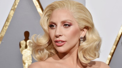 11 Times Lady Gaga Ditched the Lipstick and Went Makeup-Free   StyleCaster
