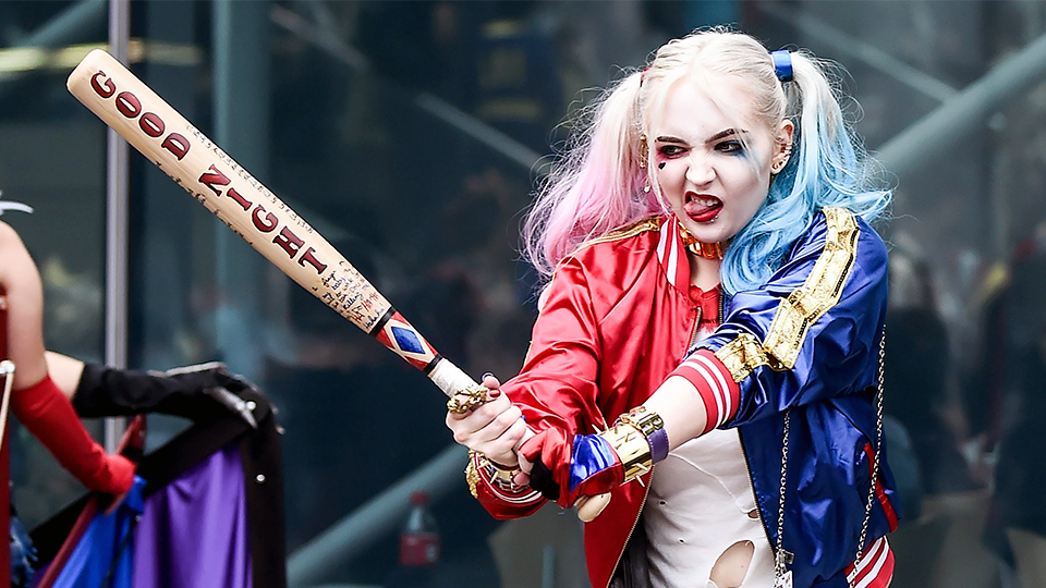 Best Harley Quinn Hair and Makeup Tutorials for Halloween   StyleCaster