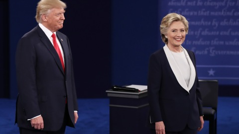 Hilarious and Perfect Celebrity Tweets About Tonight's Debate | StyleCaster