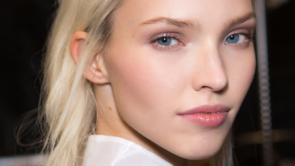 How Much Moisturizer Do You Really Need in the Winter?
