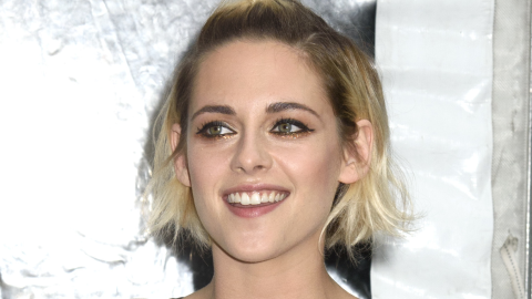 Pics: Kristen Stewart Without a Shirt on the Red Carpet, Pants at a Q&A | StyleCaster