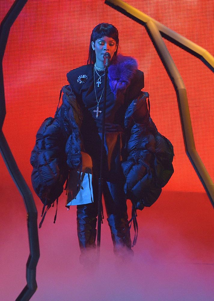 Rihanna wearing Ya Jun Lin at the 2016 VMAs Getty Images