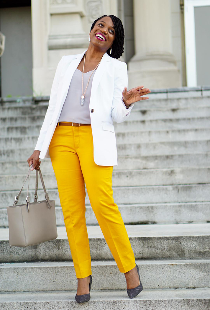 economy of style What to Wear to a Job Interview: Expert Tips for Every Industry