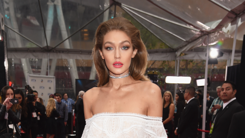Here's What Everyone Wore on the American Music Awards Red Carpet   StyleCaster