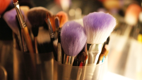 The 5 Best (and Easiest!) Ways to Clean Makeup Brushes | StyleCaster
