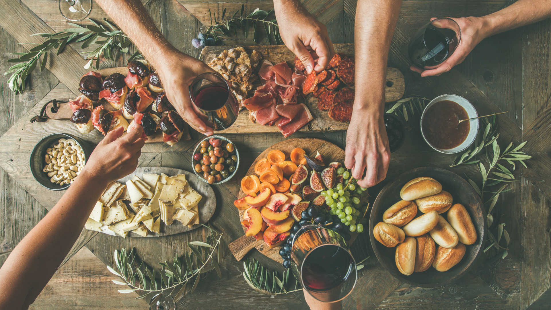 20 Delicious Thanksgiving Appetizers (Because the Pre-Game Is the Best Part)