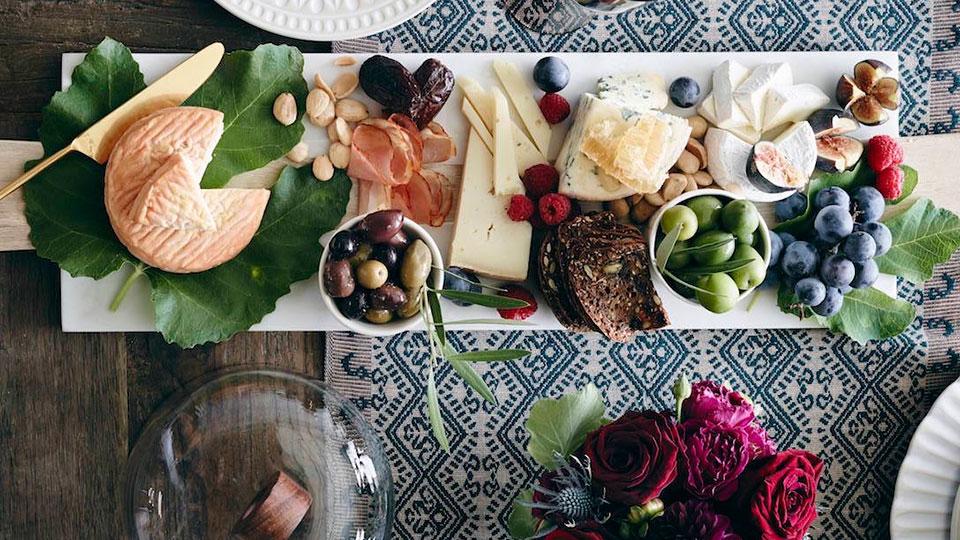 Thanksgiving host tips