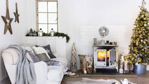 13 Chic, Simple Ways to Decorate for the Holidays | StyleCaster
