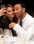 How to Take the Perfect Selfie, According to a Celebrity