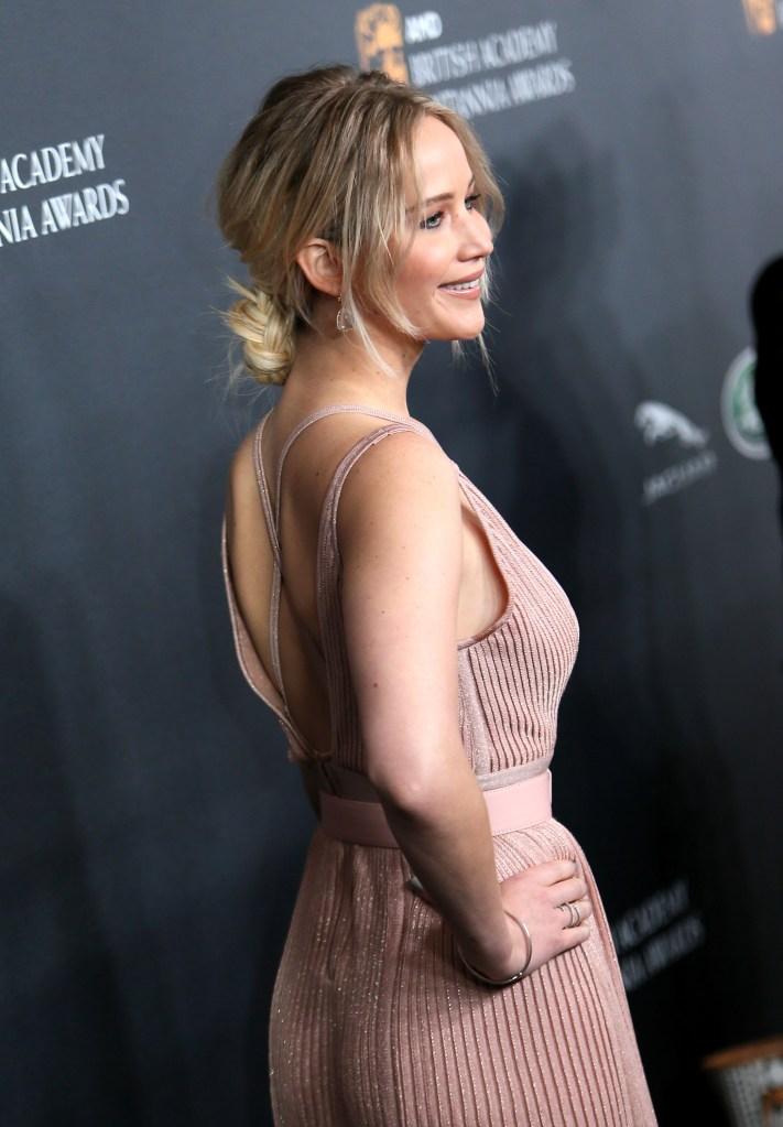 jennifer lawrence hair extensions 618916862 Jennifer Lawrence Rocks Some Serious Hair Extensions at Passengers Premiere