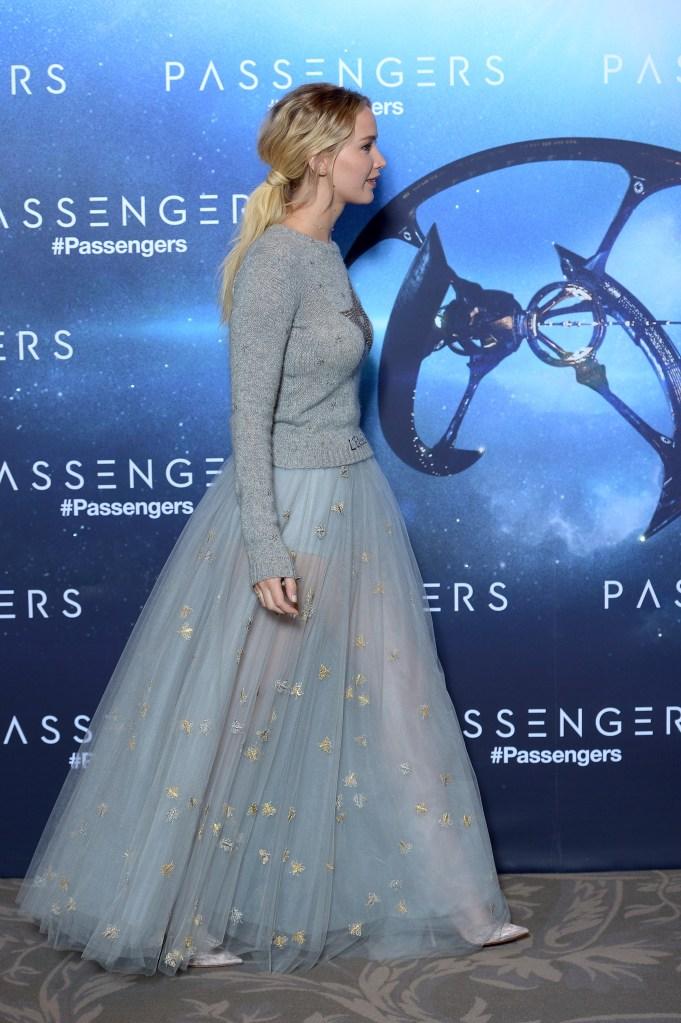 jennifer lawrence hair extensions 626380482 Jennifer Lawrence Rocks Some Serious Hair Extensions at Passengers Premiere