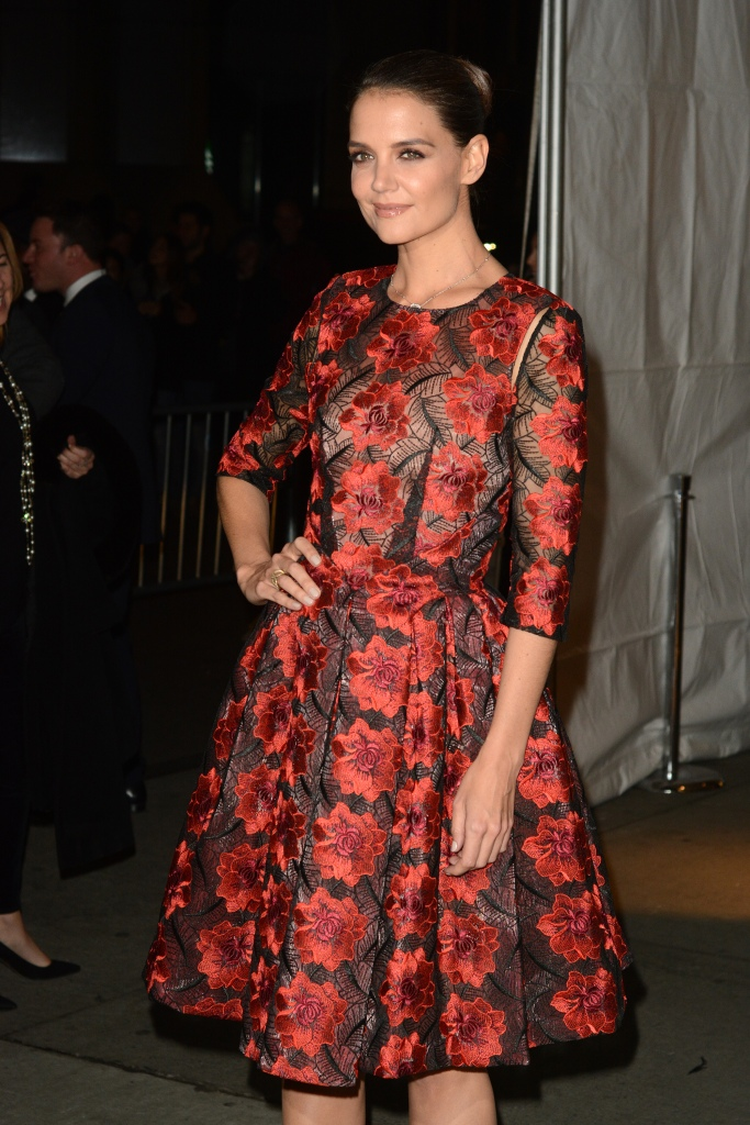 katie holmes bangs 11 Katie Holmes Debuts the Exact Bangs Youve Been Thinking About Getting