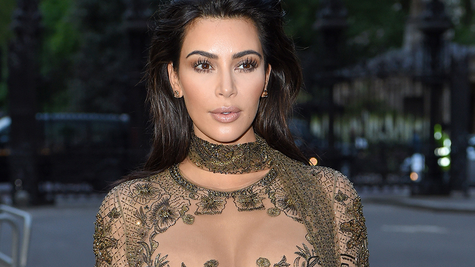 Kim Kardashian Without Her Engagement Ring in New Pic