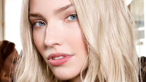 How to Wake Up With Smooth, Hydrated, Glowing Skin Tomorrow | StyleCaster